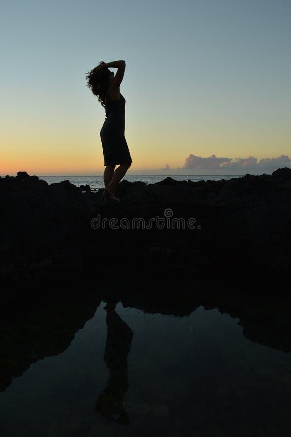 Silhouette de double de sirène de Hawaiin image libre de droits