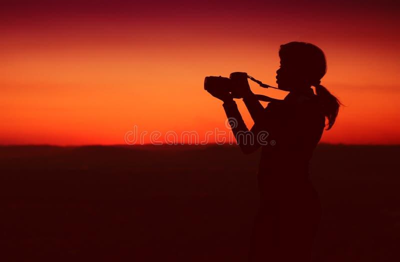 Silhouette de femme d'affaires image libre de droits