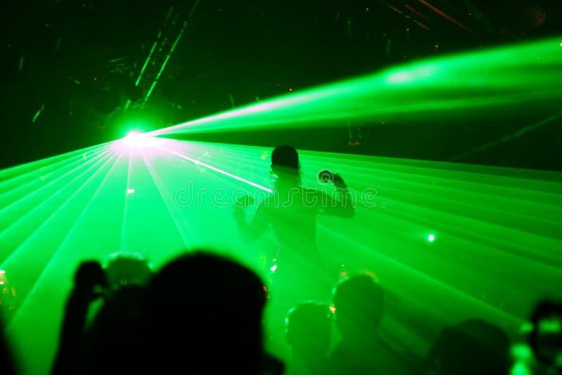 Silhouette de femme de danse photos stock