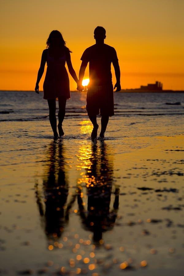 Silhouette de l'amour photos stock