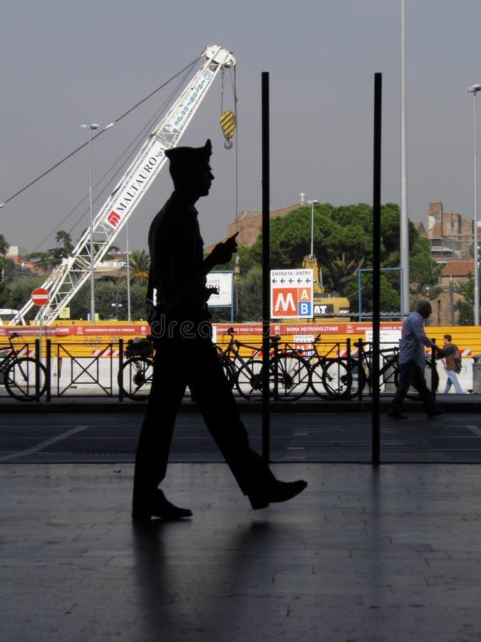 Silhouette de policier de Carabinieri d'Italien photos libres de droits