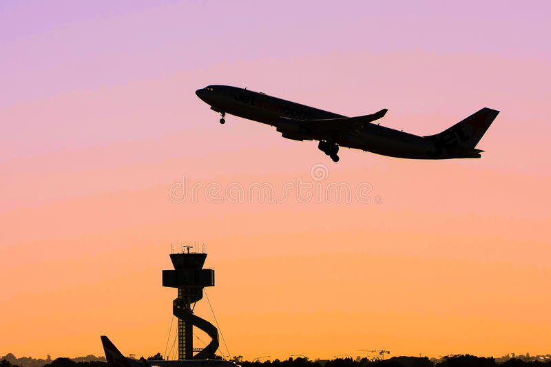 Silhouette Of Jet Airliner In Flight Royalty Free Stock Photos