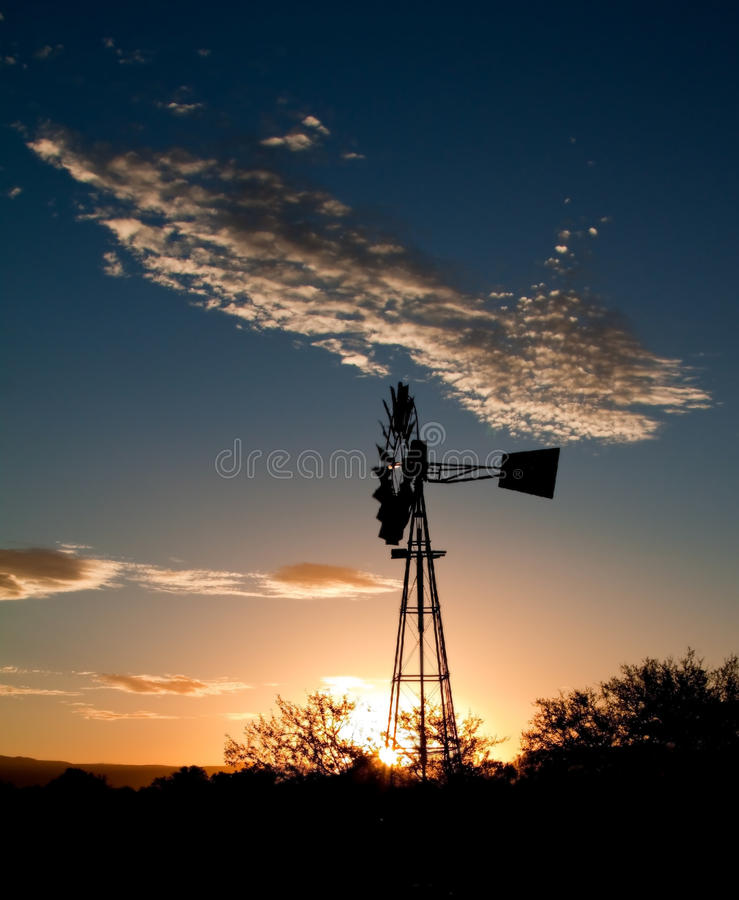 Free Silhouette Of A Windmill At Sunset Stock Images - 15364324