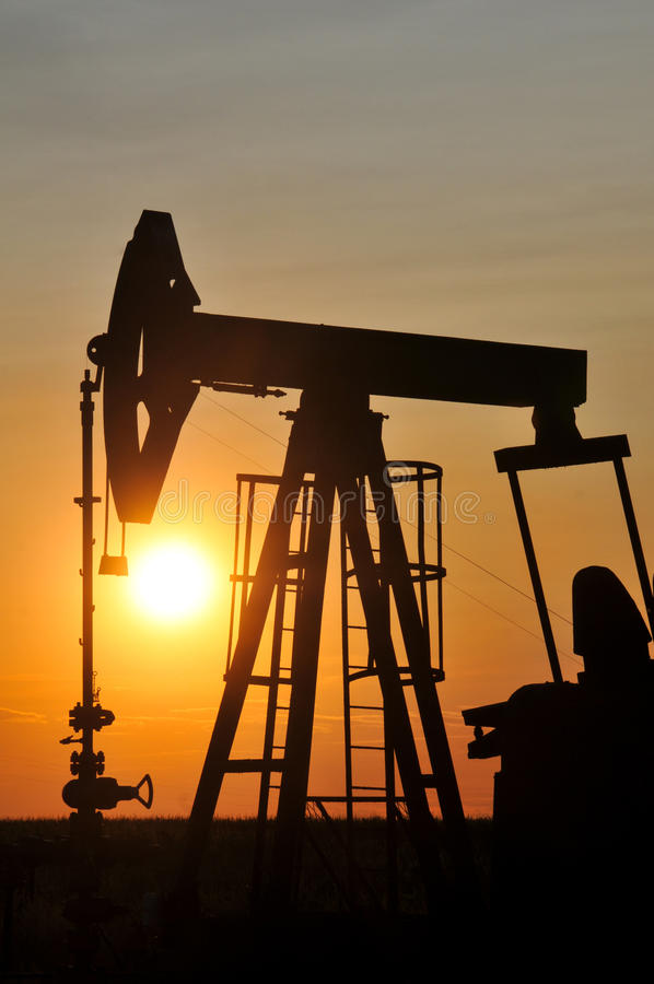 Download Silhouette Pump Jack Royalty Free Stock Photography - Image: 25811697