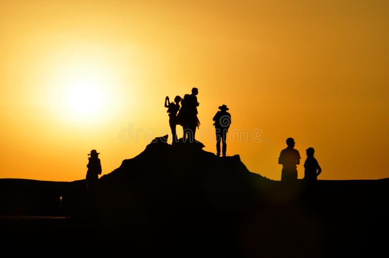 Silhouette Of Tourists At Sunset Free Public Domain Cc0 Image