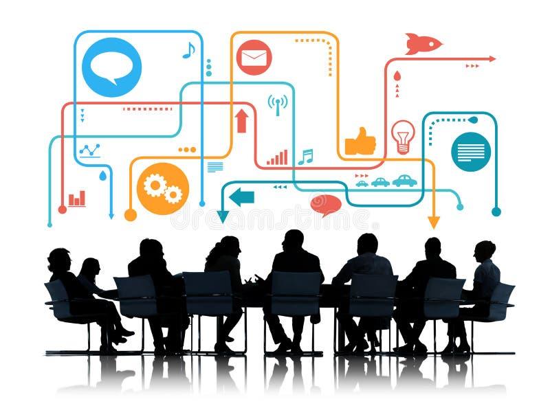 Silhouetten van Bedrijfsmensen die Sociale Media Symbolen samenkomen stock illustratie