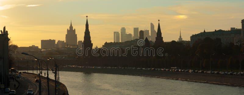 Silhouetten van centraal Moskou stock fotografie