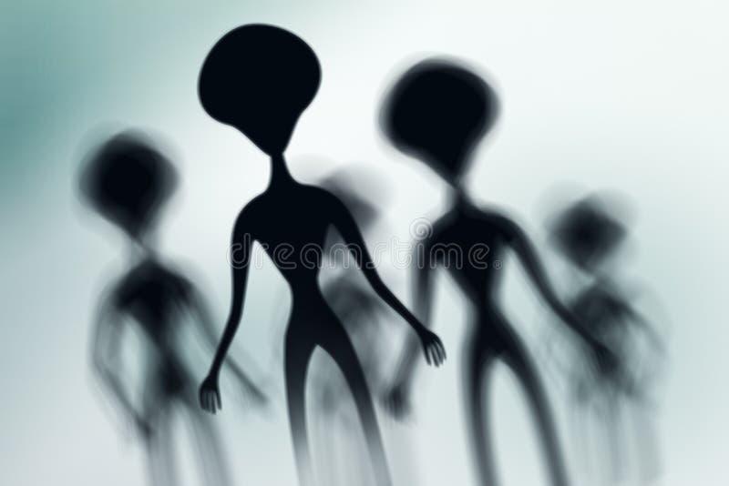 Silhouetten van griezelige vreemdelingen en helder licht achter hen stock afbeelding