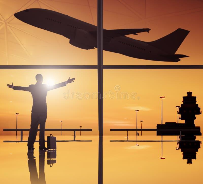 Silhouetten van Zaken en Vliegtuig in Luchthaven royalty-vrije stock foto's