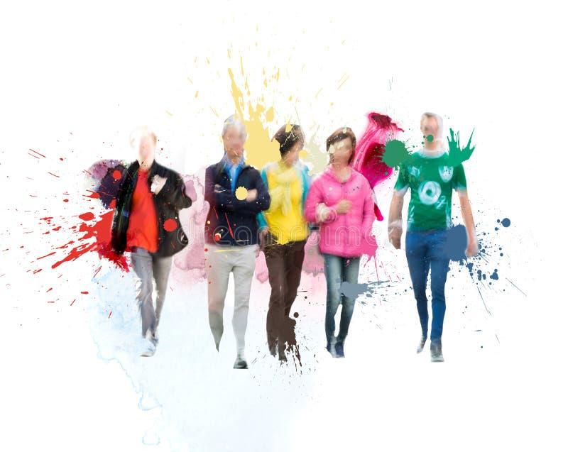 Silhouettenmensen die in de Stad lopen Schets met kleurrijke waterkleur royalty-vrije stock afbeeldingen