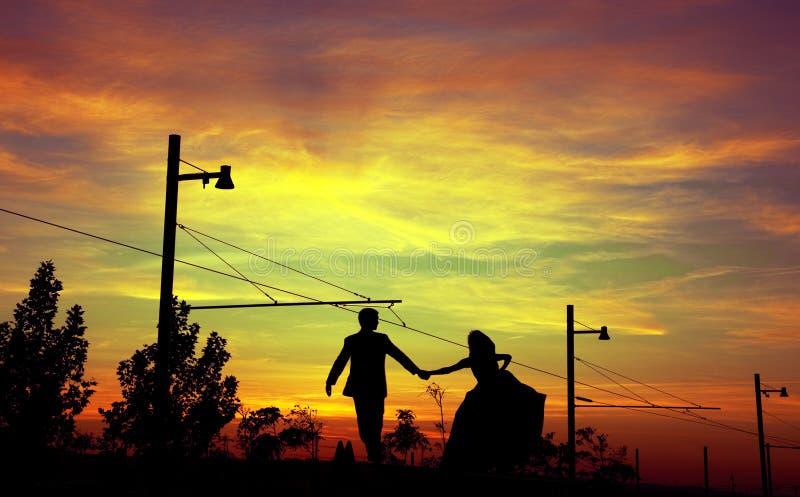 Silhouettes de couples images libres de droits