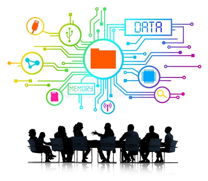 Silhouettes des gens d'affaires travaillant et du concept de données images stock