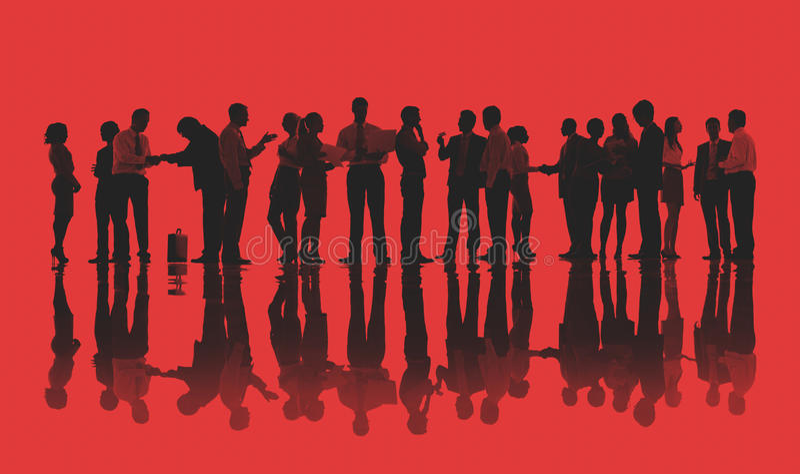 Silhouettes des gens d'affaires travaillant le concept images libres de droits