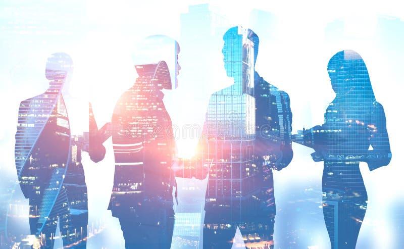 Silhouettes des personnes se serrant la main, ville illustration de vecteur