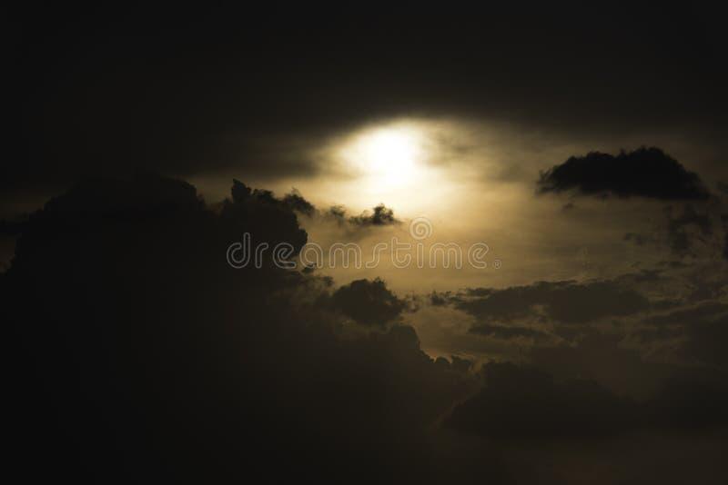 Silhoutte chmury i niebo fotografia royalty free