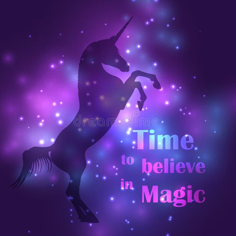 A silhueta colorida do unicórnio com mágica ilumina o cartaz ilustração do vetor