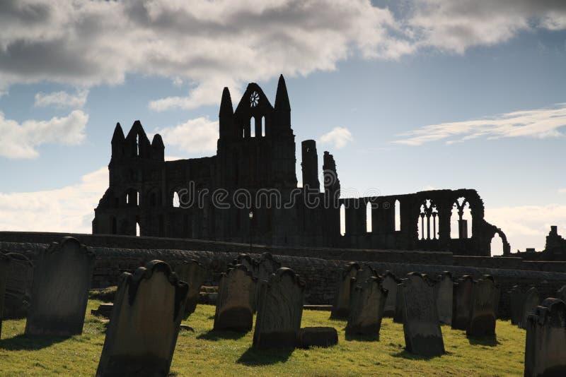 Silhueta da abadia de Whitby foto de stock