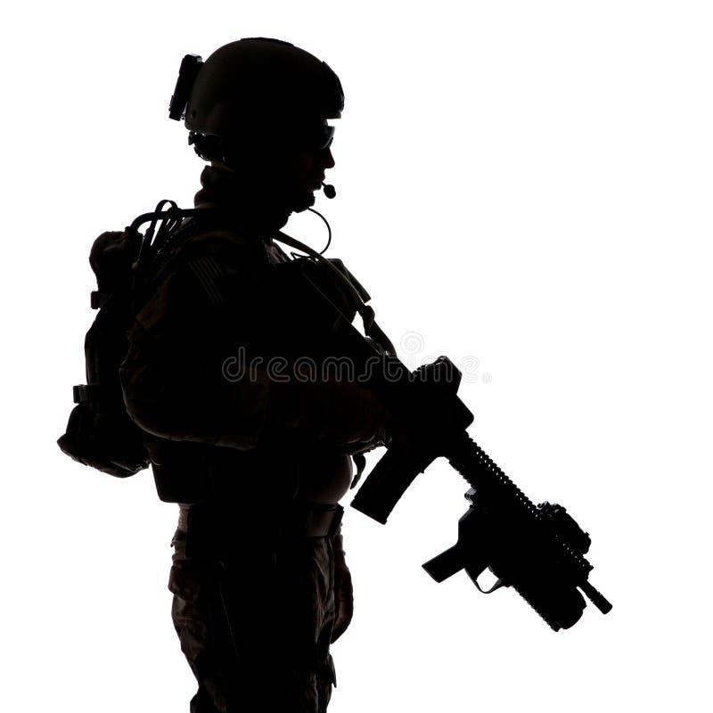 Silhueta da guarda florestal do exército de Estados Unidos imagens de stock royalty free