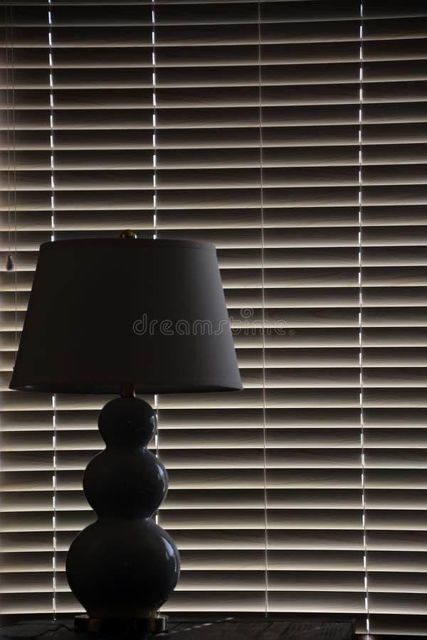 Silhueta da lâmpada foto de stock royalty free