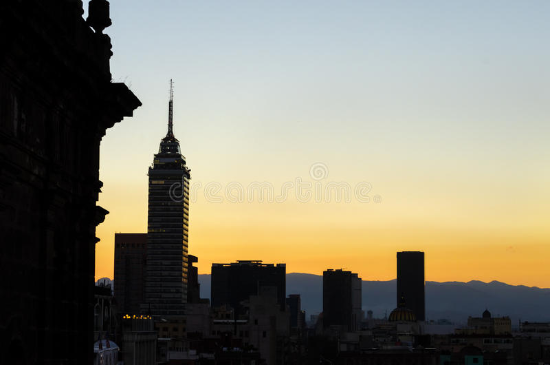 Silhueta da skyline de Cidade do México imagens de stock