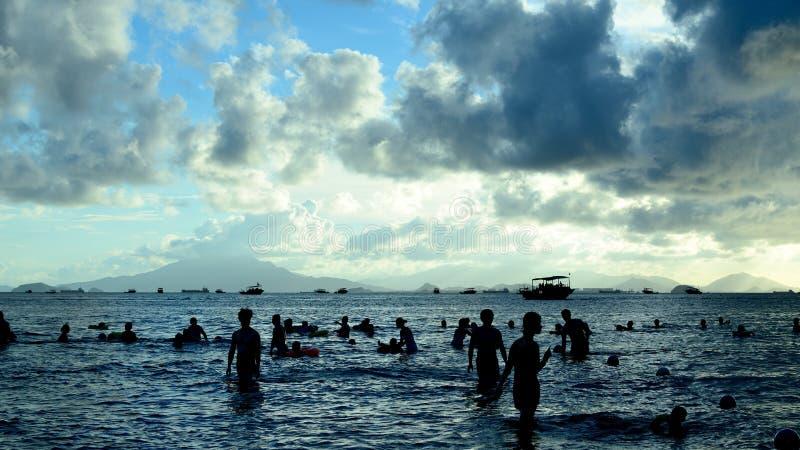 Silhueta do beira-mar imagens de stock royalty free