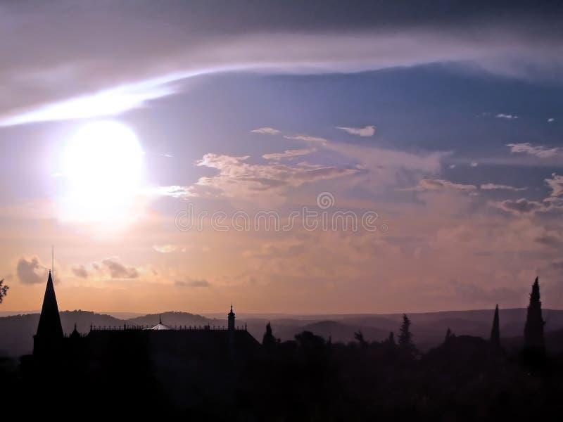 Silhueta do palácio no por do sol fotos de stock royalty free