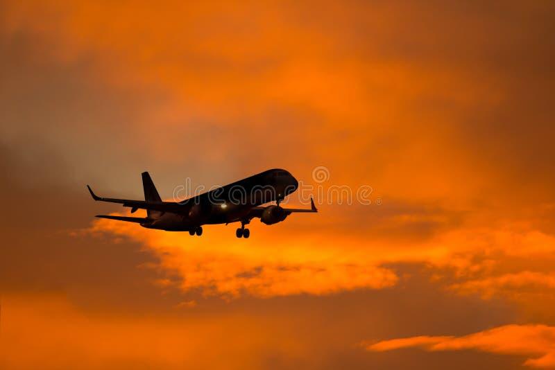 Silhueta dos aviões fotografia de stock royalty free