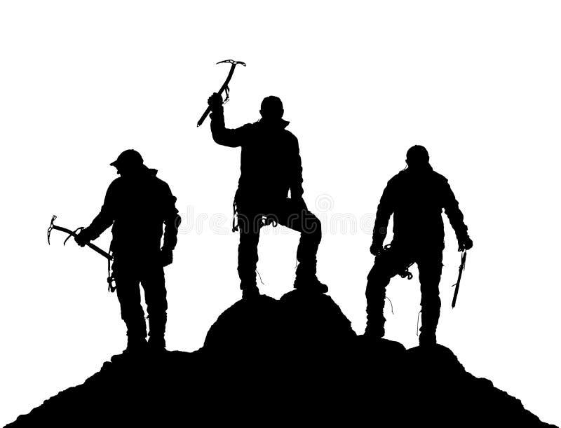 Silhueta preta de três montanhistas com machado de gelo à disposição foto de stock royalty free