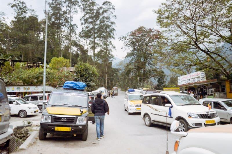 Siliguri il Bengala Occidentale l'India ottobre 2018 - vista di una fermata turistica popolare sul viaggio da Malbazar a Gangtok  fotografie stock libere da diritti