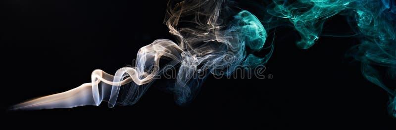 Silkeslen färgrök royaltyfri fotografi
