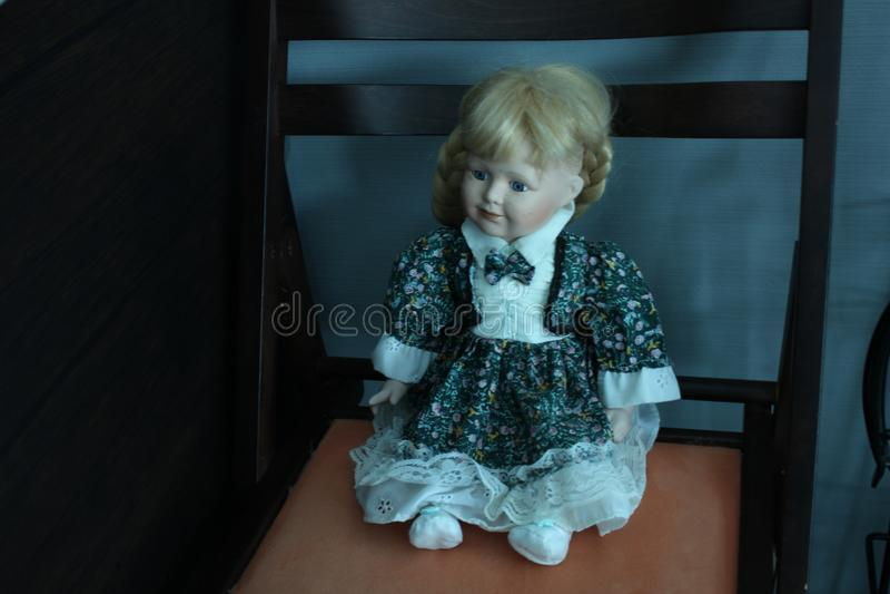 Silla de la muñeca dentro foto de archivo