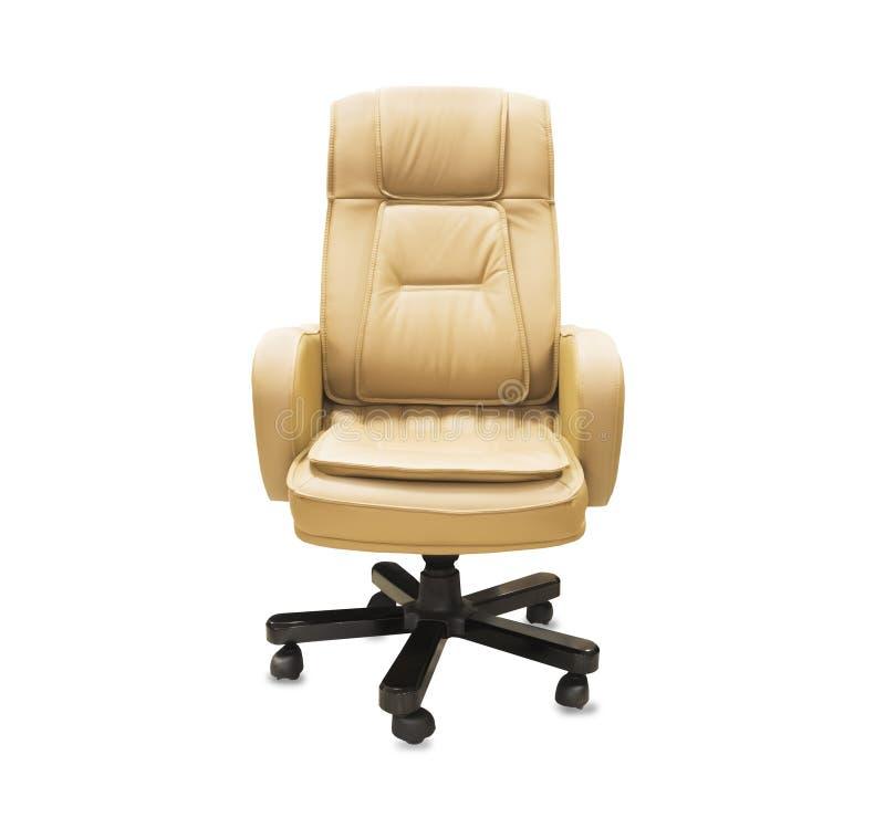 silla de la oficina del cuero beige Aislado sobre blanco imagenes de archivo