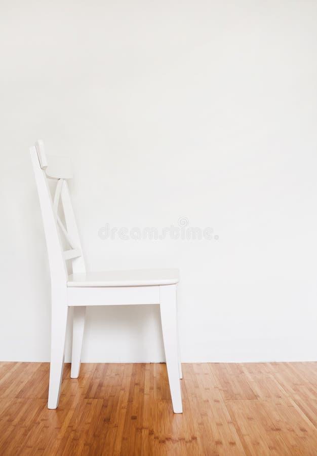 Silla de madera blanca fotografía de archivo libre de regalías