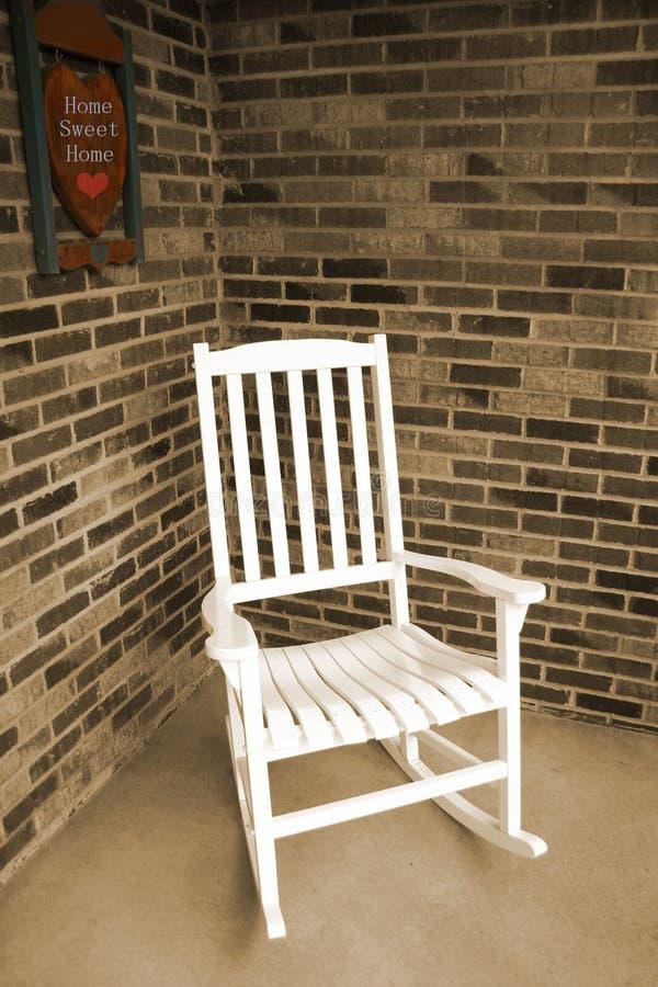 Silla de oscilación de madera blanca foto de archivo libre de regalías