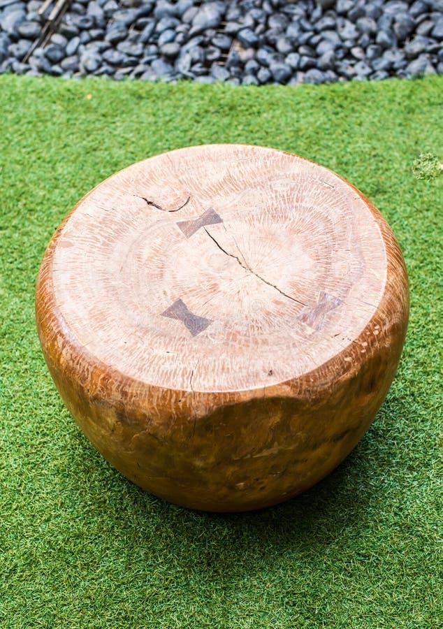 Download Silla moderna de madera foto de archivo. Imagen de solo - 42440370