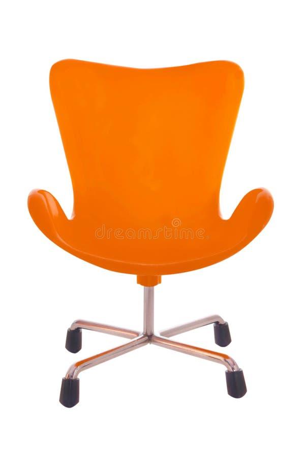Silla plástica anaranjada aislada en el fondo blanco fotografía de archivo libre de regalías