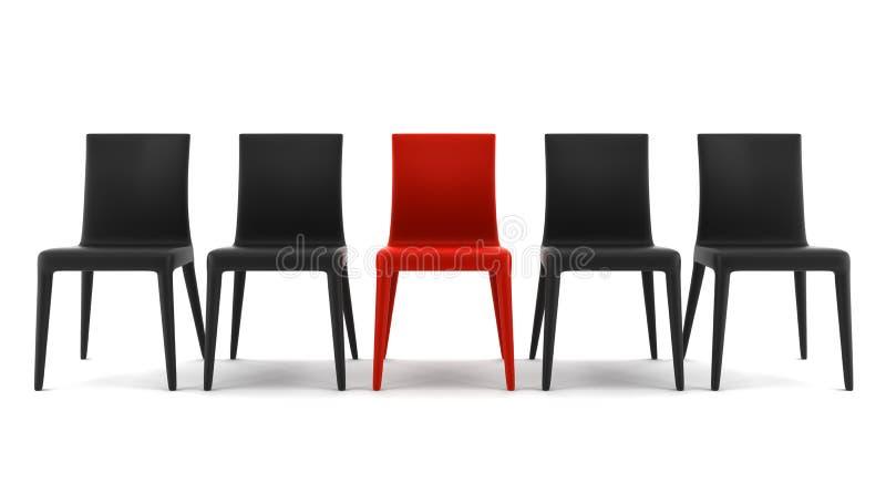 Silla roja entre las sillas negras aisladas en blanco imagen de archivo