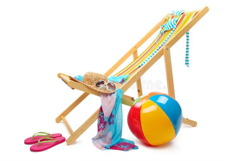 Silla y accesorios de playa imagen de archivo