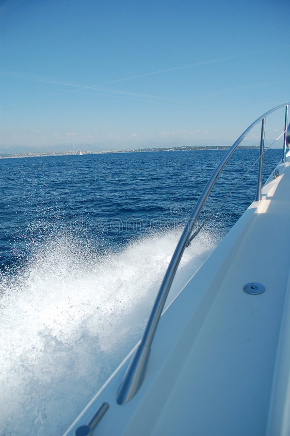 sillage latéral de vitesse de bateau photos stock
