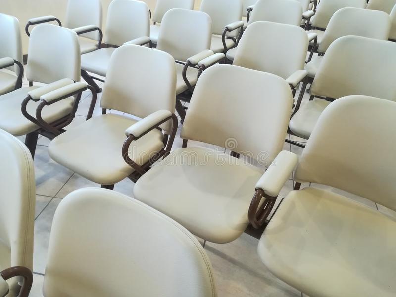 Sillas de cuero blancas foto de archivo libre de regalías
