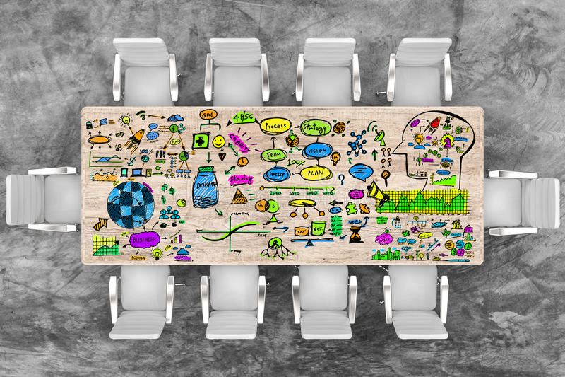 Sillas de la mesa de reuniones y de la oficina de la visión superior con el plan empresarial stock de ilustración