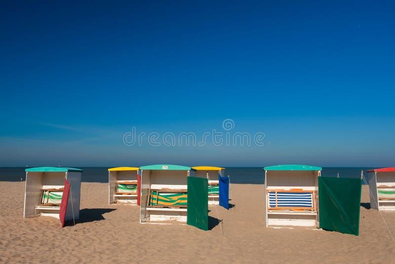 Sillas de playa clásicas fotos de archivo libres de regalías