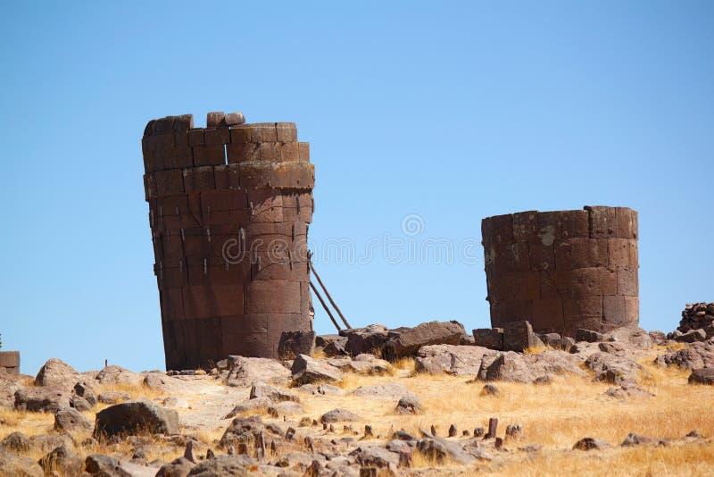 Sillustani - pre-Incan begrafenisgraven, Meer Umayo, dichtbij Puno, Peru royalty-vrije stock afbeelding