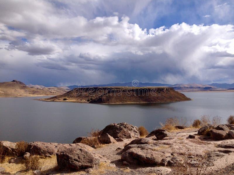 Sillustani Umayo blisko Puno i jezioro, Peru zdjęcia royalty free