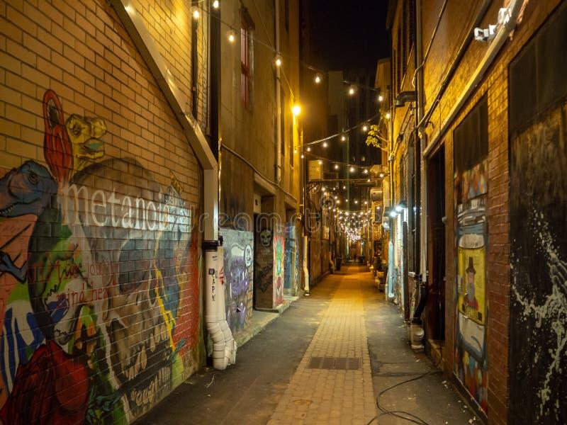 Silne latarnie uliczne i graffiti sztuka, Knoxville, Tennessee, Stany Zjednoczone Ameryka: [nocy życie w centrum K zdjęcie stock