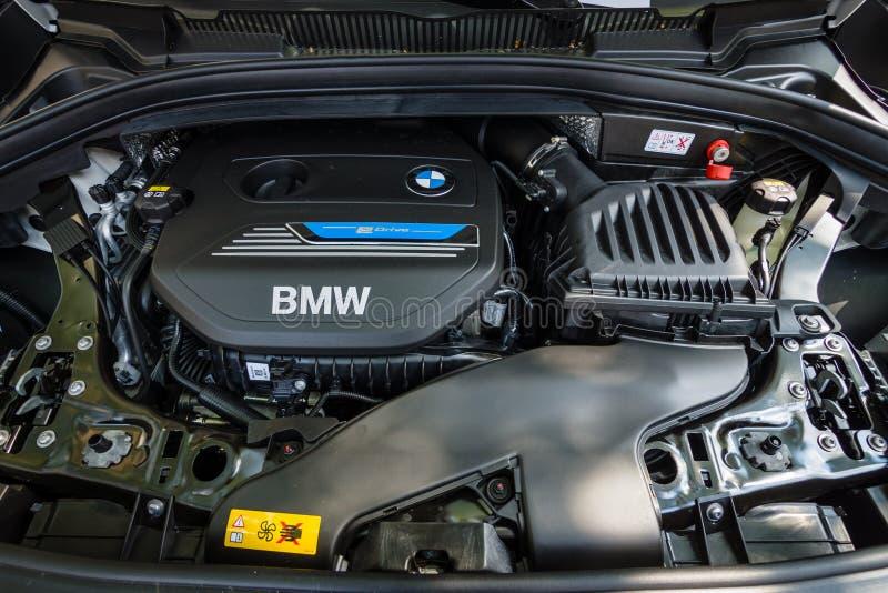 Silnik układu MPV BMW 225e Aktywny Tourer, hybryd obrazy stock