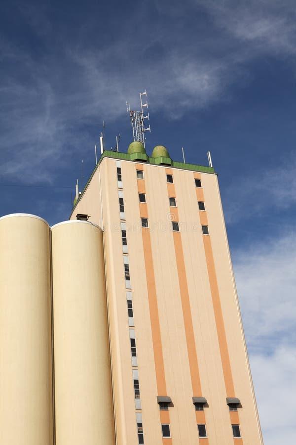 Silo-Gebäude stockfoto