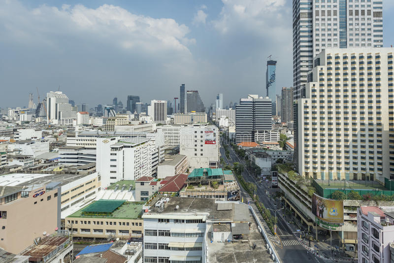 Silom gata i stadsmitten av Bangkok royaltyfria foton