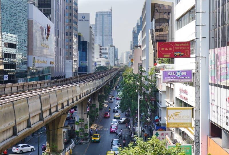 Silom-Linie Skytrain stockfoto