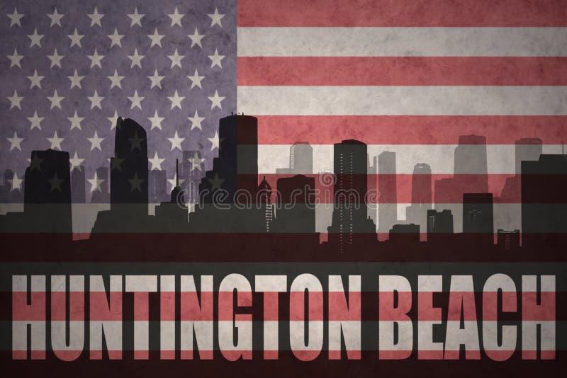 Silueta abstracta de la ciudad con Huntington Beach del texto en la bandera americana del vintage stock de ilustración